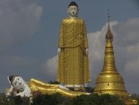 Huge Buddha Image in Myanmar (3)
