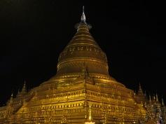 Night view of Shwezigon Pagoda